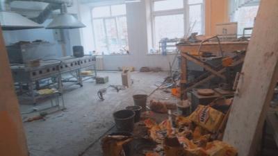 В школе Башкирии из-за ремонта столовой ученики второй месяц сидят без обедов