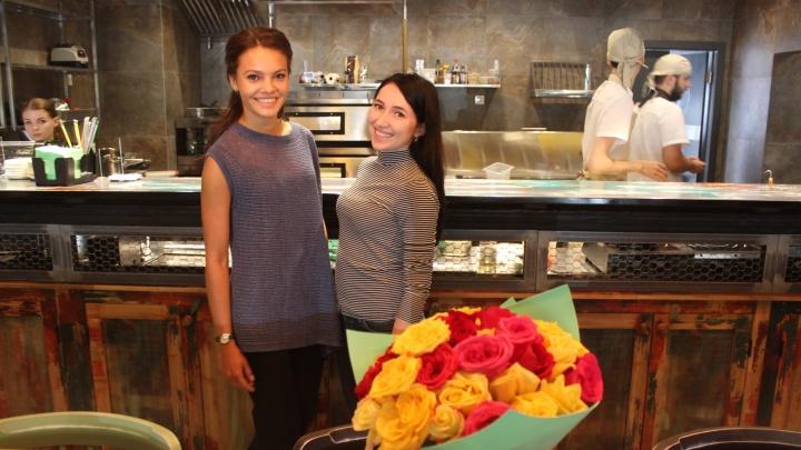 Две сибирячки открыли на тихой улочке кафе с самодельной лапшой