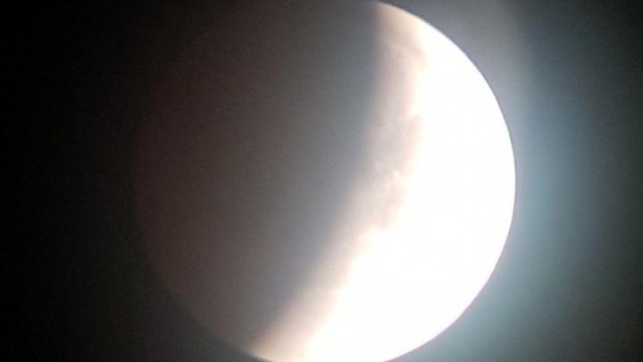 Красноярцы стали свидетелями редкого и длинного лунного затмения