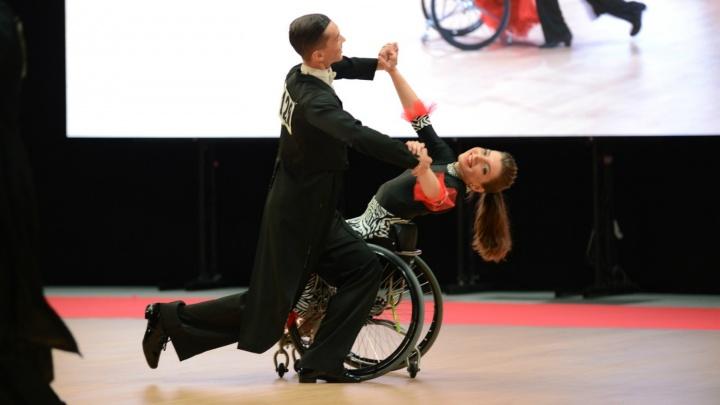 «Не было времени на драмы»: омичка с опухолью спинного мозга отправилась на международный конкурс