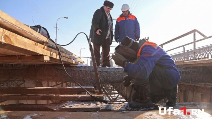 Мэр Уфы рассказал, когда запустят движение по старому Бельскому мосту