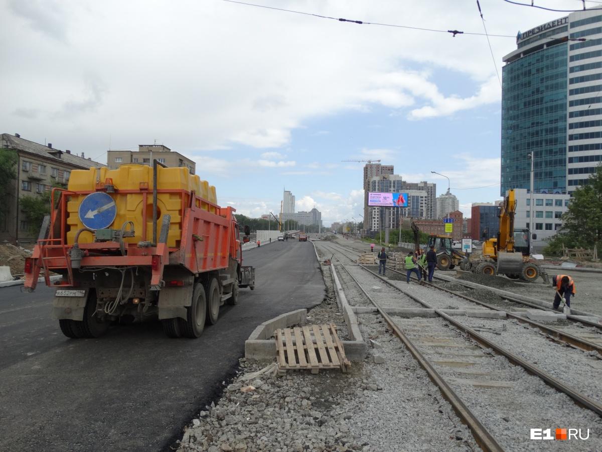 Сколько полос запустят и когда откроют Гражданскую: мэрия — о работах на Макаровском мосту