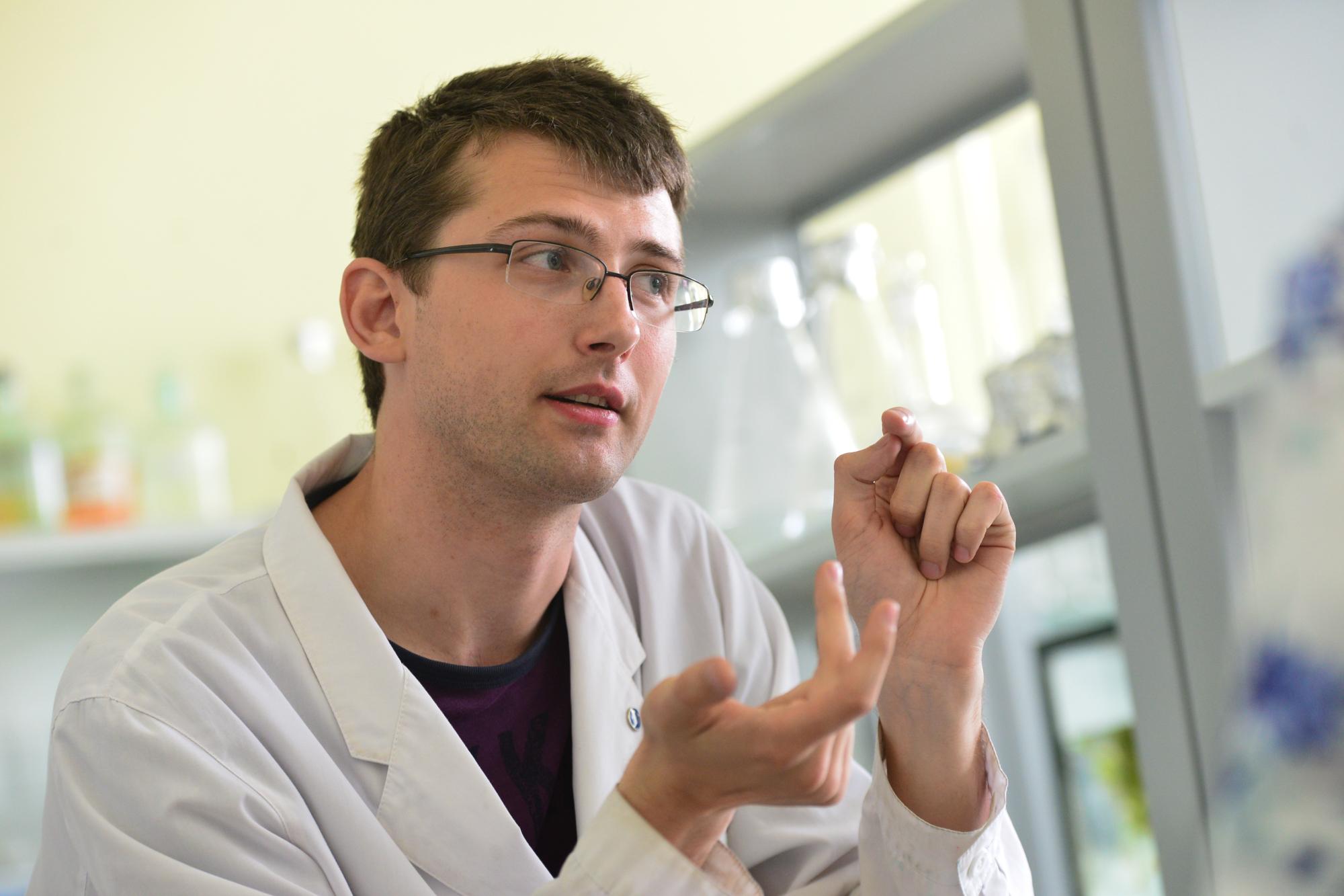 «Сам процесс выделения ДНК простой и лёгкий, вы можете его у себя дома провести», —сказал учёный и дал инструкцию, как это сделать