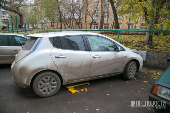 Осеннее фото Nissan Leaf —спустя две недели владелец вынужден был продать авто