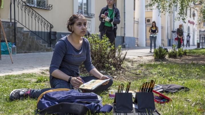 Будем знакомиться и рисовать: волгоградцев зовут на пленэр во дворике на улице Мира