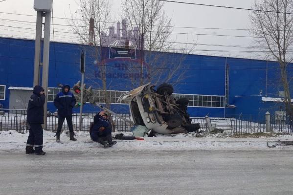 Авария произошла утром на улице Пограничников