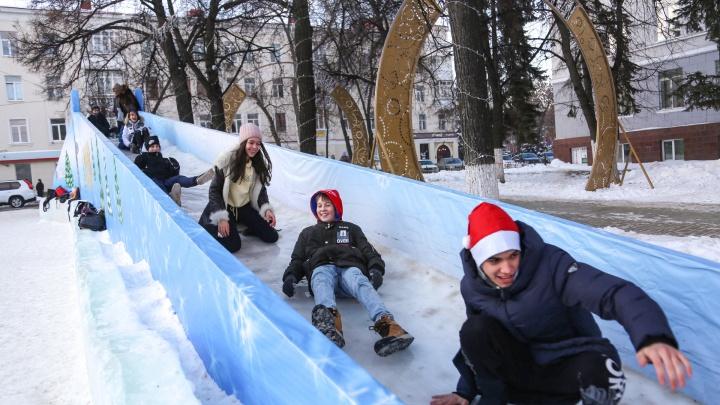 Зимний тест-драйв: тестируем новогодние горки Уфы, видео прилагается