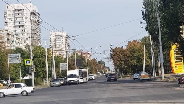 «Вафельница» стерлась: дорожная разметка на Стачки в Ростове не продержалась и двух месяцев