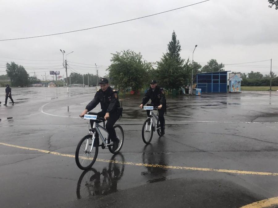1-ый в Российской Федерации полицейский велопатруль заступил надежурство вКрасноярске