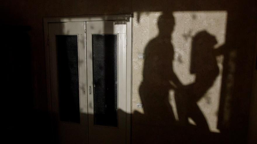 Хулиган и угонщик: в Волгоградской области Росгвардия задержала ревнивого душителя любовницы