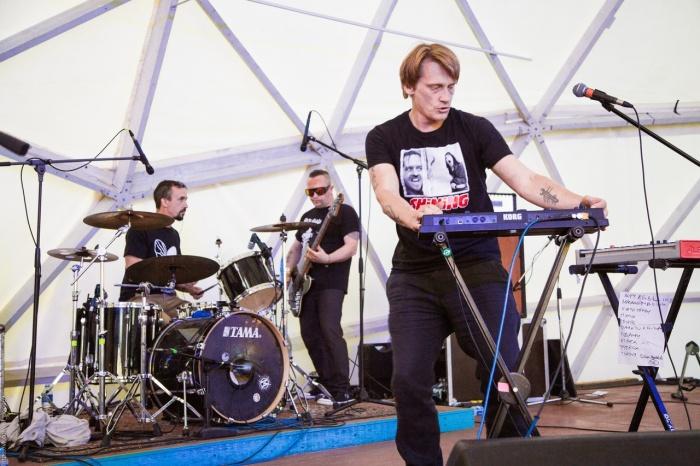 Олег Ягодин — бессменный вокалист и лидер группы «Курара»