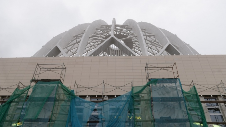 «Пластиковое одноразовое барахло»: ремонт екатеринбургского цирка назвали самым ужасным в России