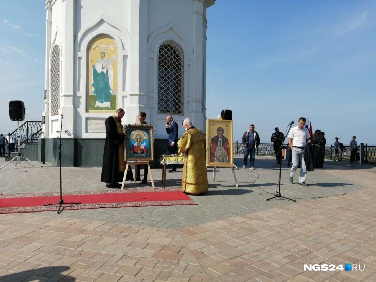 Передача иконы великомученицы Параскевы Пятницы