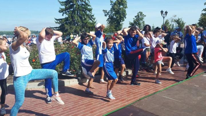 Зарядка, шахматы и бокс: в Самаре отметили День физкультурника
