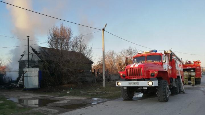В огненной ловушке: два человека погибли при пожаре в Самарской области