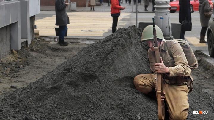 «Гранит можно укладывать и в минус»: мэрия Екатеринбурга перенесла срок окончания ремонта на Ленина