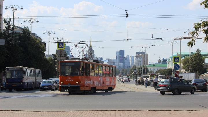 В Екатеринбурге на два дня закрыли движение трамваев на Шарташ