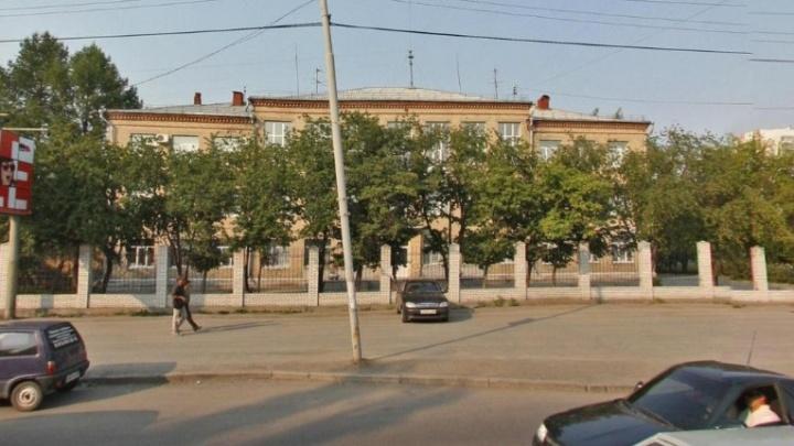 В Екатеринбурге снесут трехэтажное общежитие училища олимпийского резерва