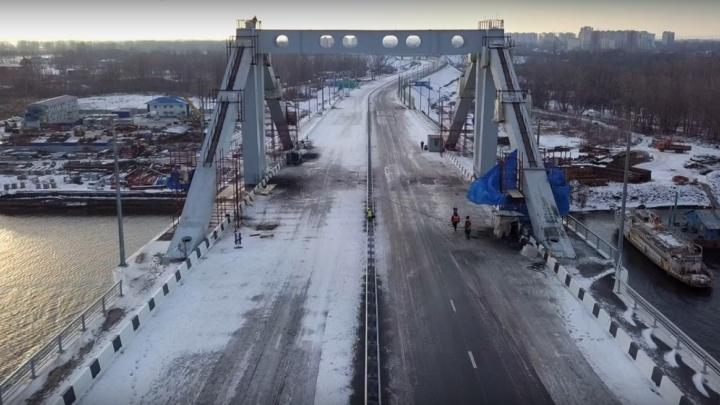 Зимняя сказка и развалюхи: заснеженный Фрунзенский мост сняли на видео