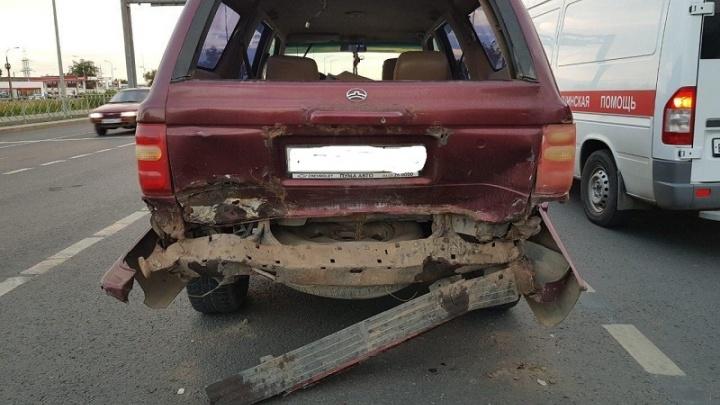Lada и Great Wall столкнулись на шоссе в Волгограде: женщина и двое детей в больнице