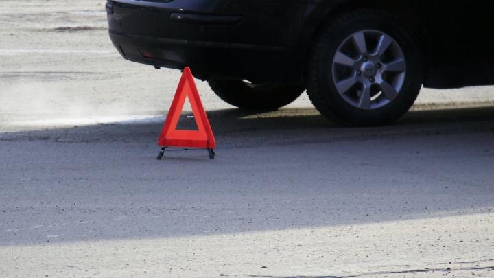 Мальчик на роликах попал под автомобиль на площади Калинина