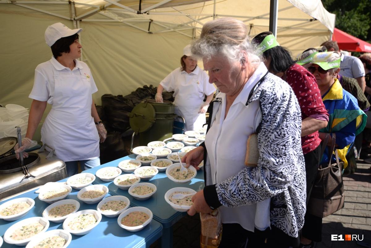 В этом году фестиваль особенно популярен среди пенсионеров и просто взрослых людей