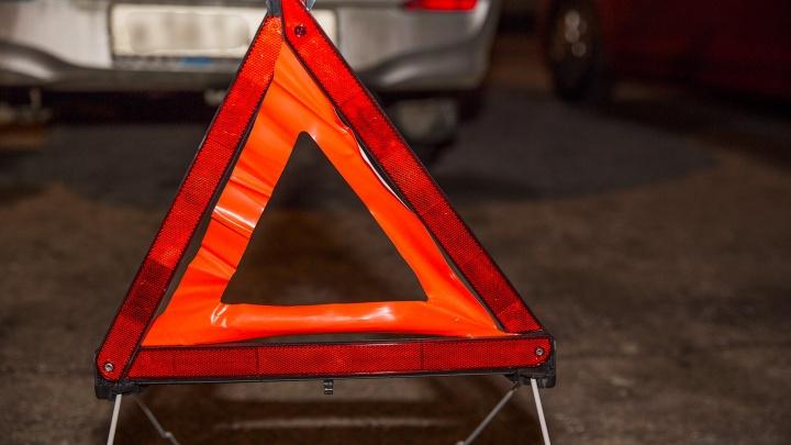 Выбежал перед машиной: утром у школы в Ярославле сбили ребёнка