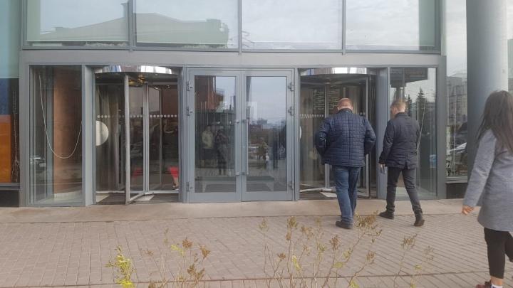 Бандиты знали, где лежат два миллиона: детали дерзкого ограбления немца у входа в «Высоцкий»
