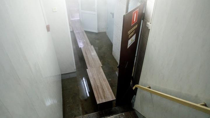 В кабинетах — баня: в музыкальной школе №1 считают ущерб от затопления кипятком