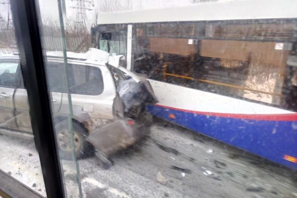Два автобуса 78-го маршрута угодили в ДТП в одном месте с разницей в несколько минут
