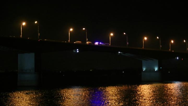В Перми спасли мужчину, который пытался спрыгнуть с Коммунального моста