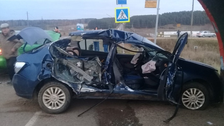 Массовая авария в Башкирии: столкнулись три машины, двое пострадавших в больнице