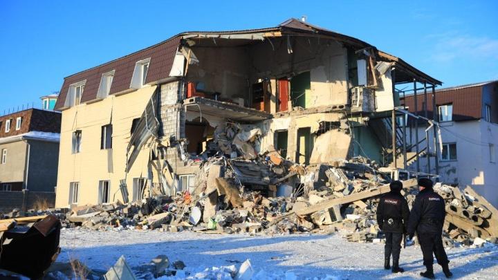 Смотрим на рухнувший дом при свете дня: что осталось после разбора завалов