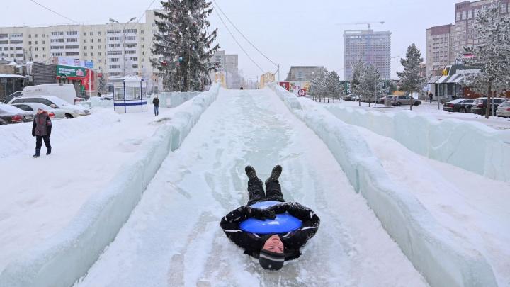 Ледянки — на антресоли: в Уфе снесли два главных ледовых городка