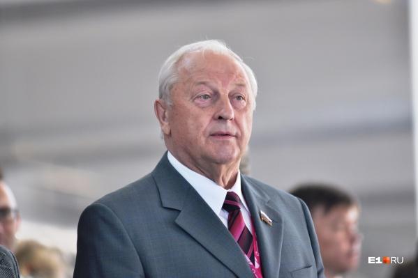 Во время работы Эдуарда Росселя на посту губернатора аэропорт Екатеринбурга был модернизирован до крупного авиахаба