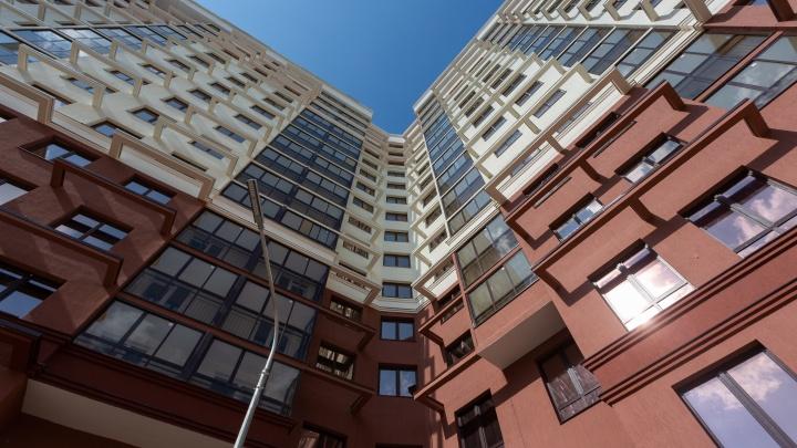 «Двор почти готов, квартиры огромные»: уже 200 дольщиков «Первого Николаевского» вживую оценили дом