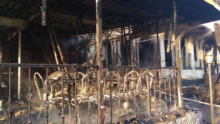 В Волгограде пожар в кафе«Saperavi» мог возникнуть из-за поломки электромангала