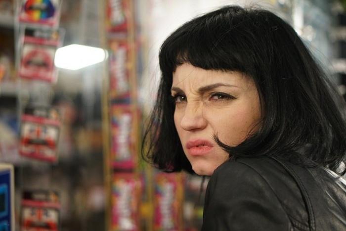 Главную роль в фильме «Не спать!» сыграла Лидия Борзилова, известная по фильмам «Шкварки» и «Неделя до свадьбы»