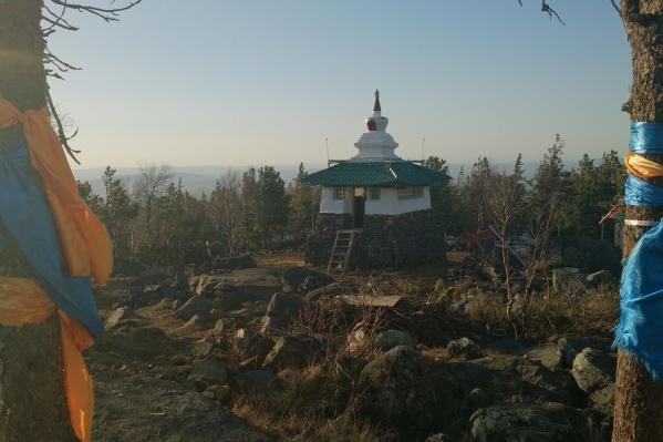 Буддисты уже много лет борются за храм на горе в Качканаре