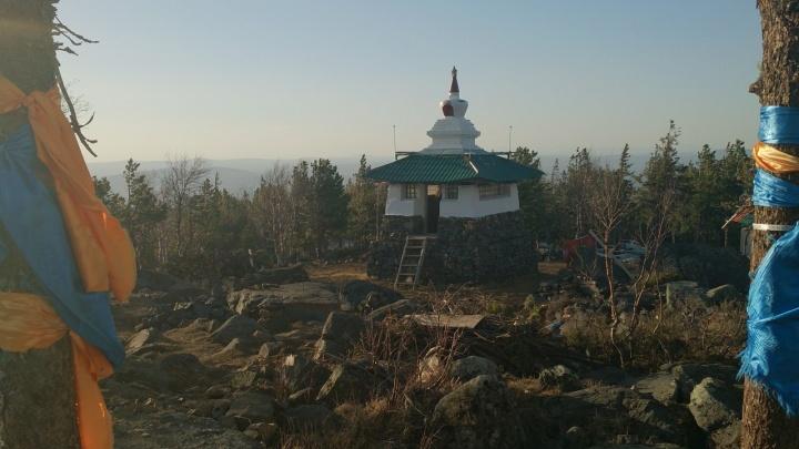 Жить здесь небезопасно: «Евраз» отреагировал на очередную попытку буддистов спасти храм в Качканаре