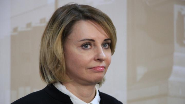 Генпрокуратура намерена лишить спикера Архангельской гордумы диплома о высшем образовании