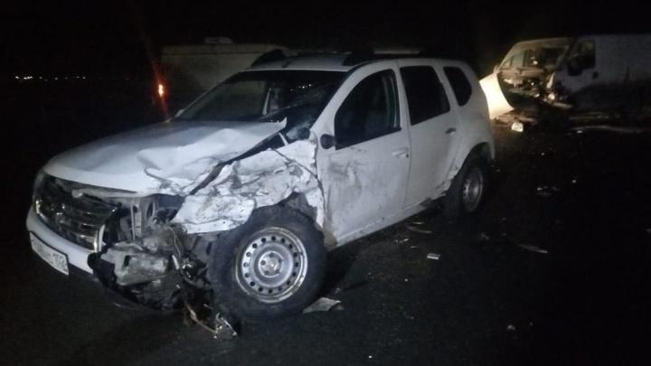 Три иномарки и трое пострадавших: под Уфой случилось массовое ДТП