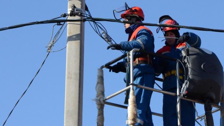 Волгоградские энергетики МРСК Юга восстанавливают нарушенное непогодой электроснабжение
