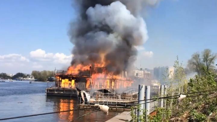 Катер взорвался: подробности смертельного пожара на причале в Самаре