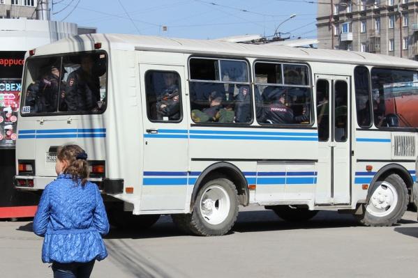 Полиция купит новые вместительные автобусы с комфортными сиденьями
