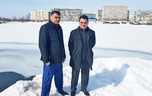 Ирек Ялалов проверил готовность к половодью дамбы на озере Касимовское
