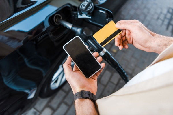 Мобильное приложение является инновационным продуктом, который использует новые цифровые технологии, позволяющие произвести оплату за топливо, не выходя из автомобиля