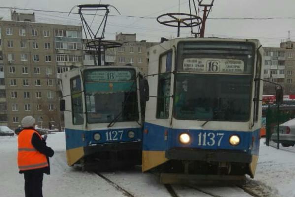 В настоящее время оба вагона работают на своих маршрутах по штатному расписанию.