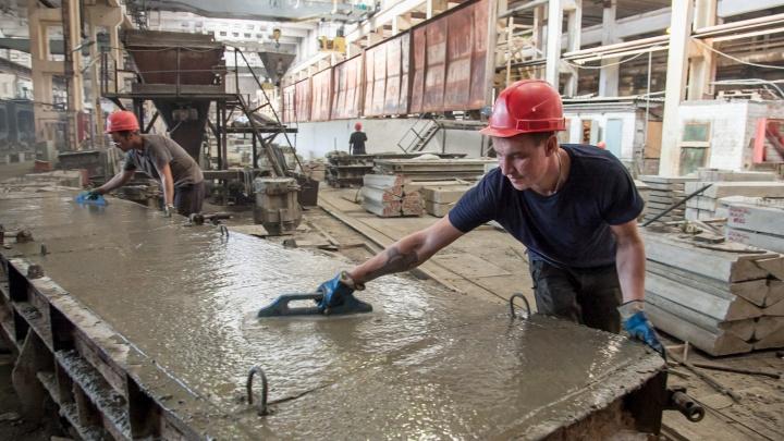 Не хочешь на завод, можно открыть дело: большая часть вакансий в Архангельской области — для рабочих