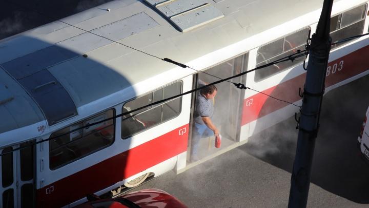 «Нам помогли водители»: в Самаре задымился трамвай № 5